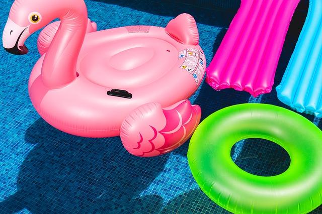 jaką zabawkę wodną ogrodową kupić dziecku?
