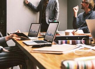 Dlaczego warto korzystać z usług agencji reklamowej w kontekście marketingu internetowego